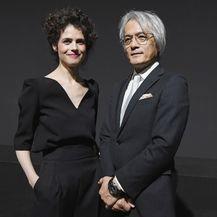 Neri Oxman i predsjednik kompanije Lexus International Yoshihiro Sawa na Milanskom tjednu dizajna 2017.