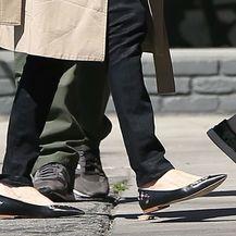 Angelina Jolie u popularnim, ali neudobnim cipelama