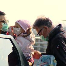 Odlazak malene Mile i roditelja u SAD (Video: DNEVNIK.hr)