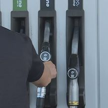 INA, točenje goriva (Foto: Dnevnik.hr) - 1