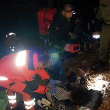 Spašavanje teško ozlijeđenog migranta (Foto: MUP)