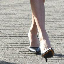 Amal Clooney nosi 'nepobjedive' crne salonke
