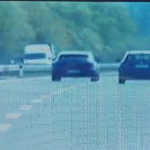 Brzinom od 248 km/h po autocesti (Video: MUP)