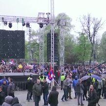 Veliki prosvjed u Beogradu (VIDEO: AP)