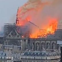 Notre-Dame u plamenu (Foto: Instagram)