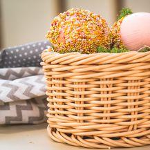 Jaja ukrašena slatkim mrvicama