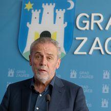Zagrebački gradonačelnik Milan Bandić (Foto: Dalibor Urukalovic/PIXSELL)