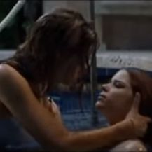 Denise Richards i Neve Campbell (Foto: Screenshot)