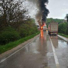 Sudar kamiona i autobusa u mjestu Barlovo u Srbiji (Foto: Telegraf.rs) - 2
