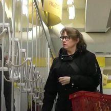 Žena u trgovini