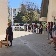 Pandemija bukti, u Dalmaciji krizme i pričesti - 2