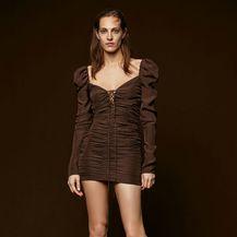 Drapirana smeđa haljina iz Zare - 1