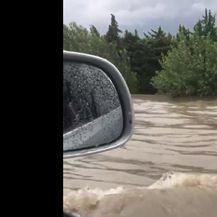Poplave u Francuskoj (Video: AP)