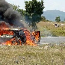 Zapalio se automobil na cesti (Foto: PIXSELL) - 6