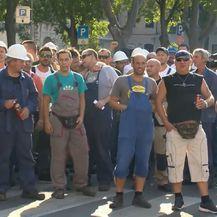 Marko Balen prati štrajk radnika grupe Uljanik u Puli (Foto: Dnevnik.hr) - 1