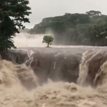 Havaji na udaru jakih uragana (Foto: Dnevnik.hr) - 2