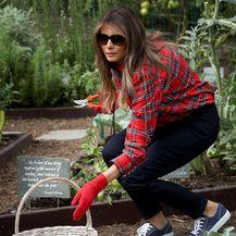 Melania u vrtu Bijele kuće 2017. godine