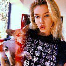 Stella Maxwell (Foto: Instagram)