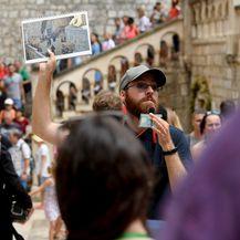 Ilustracija, turisti u Dubrovniku (Foto: Marko Lukunic/PIXSELL)