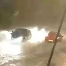 Pula: Zbog snažnog pljuska vozila se teško probijala gradskim prometnicama (Screenshot: IstraMet)