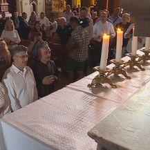 Premijer Plenković moli u sinjskoj crkvi (Foto: Dnevnik.hr) - 1