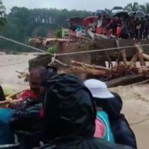Poplave odnijele 150 života u Indiji (Foto: AP)