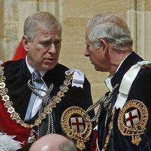 Princ Andrew i princ Charles (Foto: AFP)