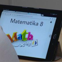 Učenje matematike na pametnom telefonu (Foto: Dnevnik.hr)