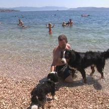 Psi na plaži (Foto: Dnevnik.hr)