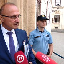 Goran Grlić Radman uoči užeg kabineta (Foto: Dnevnik.hr)