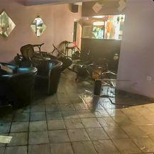 Razbijen kafić u Uzdolju (Foto: Feral News)