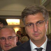 Premijer Andrej Plenković o Pavelićevoj fotografiji i napadu u Kninu (Video: Dnevnik.hr)