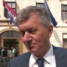 Ministri prozvani da se ponašaju kao članovi sindikata, kažu da ih premijerova packa nije zasmetala (Video: Vijesti u 17h Nova TV)