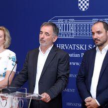 Dragana Jeckov, Milorad Pupovac i Boris Milošević (Foto: Pixsell,Patrik Macek)