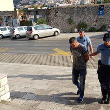 Privođenje osumnjičenih na sud u Dubrovniku, uhvaćenih u pokušaju prenošenja 340 kg marihuane preko granice (Foto: PIXSELL) - 3