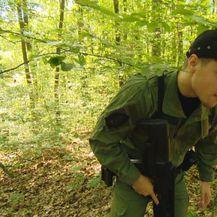 Policajac u šumi (Foto: Dnevnik.hr)
