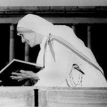 Indira Gandhi i Majka Terezija 1972. godine