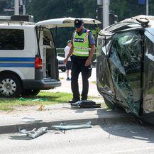 Auto završio na boku u nesreći u Zagrebu (Foto: Borna Filic/PIXSELL) - 8