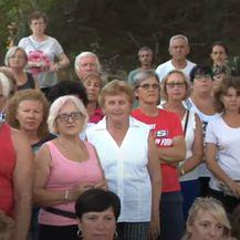 Mještavi se protestno okupili na Iloviku - 1