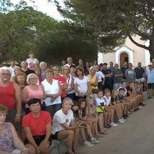 Mještavi se protestno okupili na Iloviku - 2