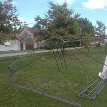 Vjetar uništio školsko dvorište