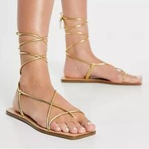 Asos, zlatne sandale s remenčićima, 149 kn