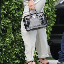 Kombinacija Jennifer Lopez s crnom dolčevitom - 3