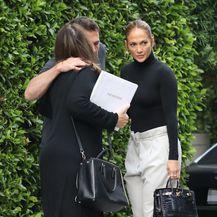 Kombinacija Jennifer Lopez s crnom dolčevitom - 4