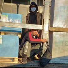 U kamionu s građevinskim materijalom pronađeni migranti - 4