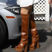 Jennifer Lopez u čizmama s vrtloglavom potpeticom - 1