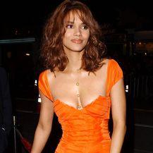 Halle Berry 2003. u haljini koju je Tom Ford dizajnirao za Gucci