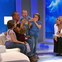 Život priča priče: Ivan Marinić samohrani je otac šestero djece (Foto: dnevnik.hr) - 2