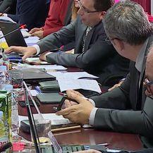 Željko Kerum nasrnuo na vijećnika HSLS-a (Video: Dnevnik.hr)