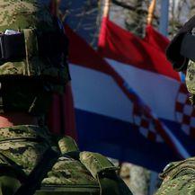 Zbog pijanstva vojnici vraćeni iz misije (Foto: Dnevnik.hr) - 1